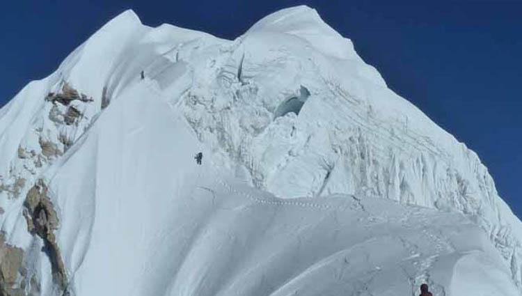 Mt. Baruntse Expedition (7,129m.)