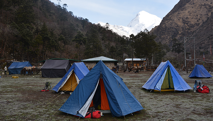 JHOMOLHARI BASE CAMP TREK